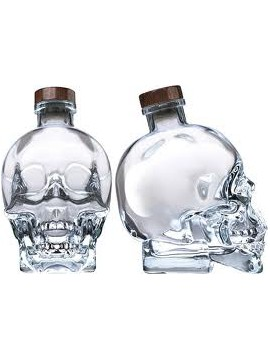 Crystal Head Vodka 70cl. + shaker